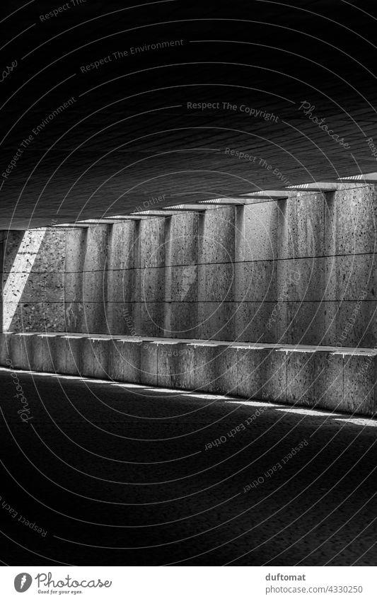 Schatten Architektur Lichtspiel Säule Lichtschein architecture architektonisch Schattenspiel Schattenwurf Mauer Fassade Wand Gebäude Bauwerk Sonnenlicht