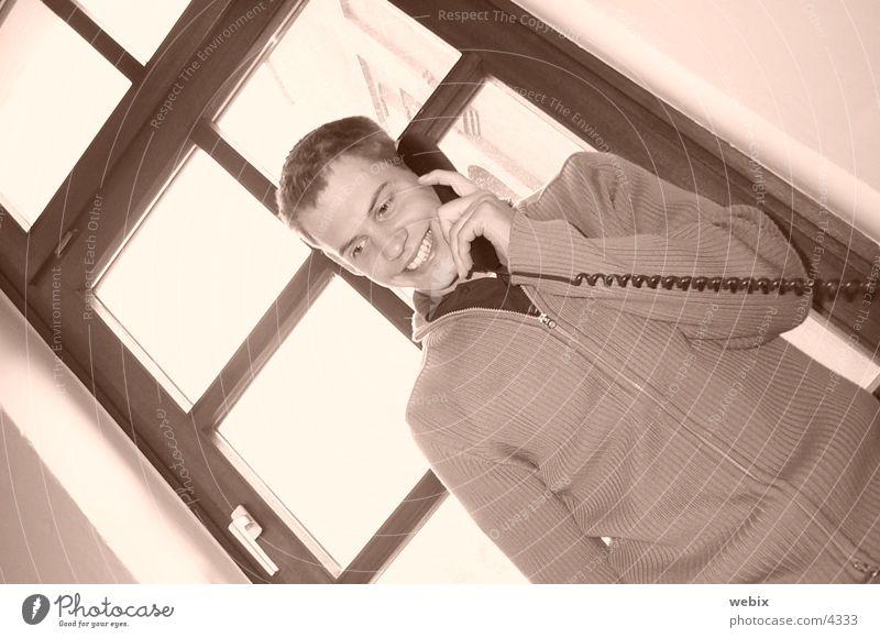 Peter Telefon Mann Mensch lachen sprechen Telefongespräch