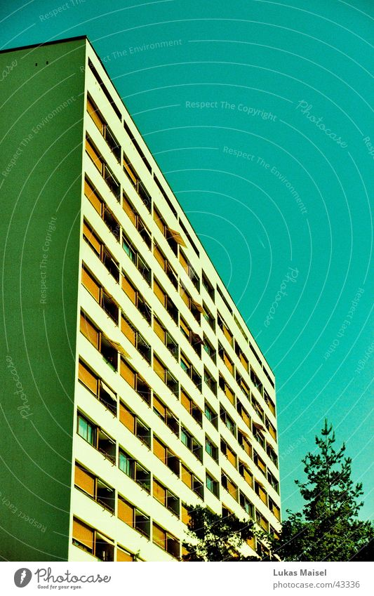 bâtiment Himmel Baum Stadt Sommer Haus Wärme orange Architektur Physik Block Blauer Himmel Mehrfamilienhaus