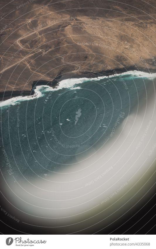 #A# Aus dem Fenster Flugzeug Flugzeugausblick Flugzeuglandung Flugzeugfenster reisen Fernweh Fuerteventura Kanaren Kanarische Inseln Spanien Natur Landschaft