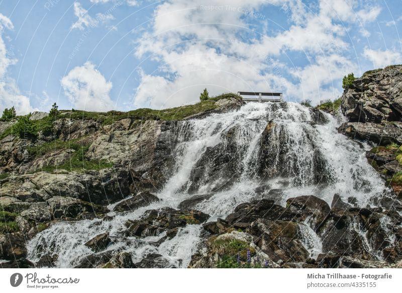 Rifflbach - Wasserfall im Kaunertal / Österreich Tirol Alpen fließen stürzen herabstürzen Landschaft Natur Felsen Stein Gestein Berge Bäume Himmel Wolken