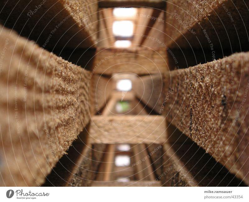 holzkonstruktion Holz Holzbrett Oberfläche durchsichtig fluchtend Architektur Stapel Pfosten Loch Flucht