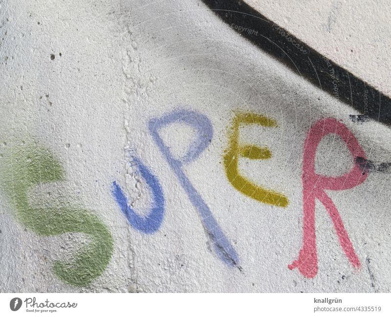 Super Graffiti super Mitteilung Text Schriftzeichen Buchstaben Wort Typographie Menschenleer Kommunikation Sprache Verständigung Kommunizieren