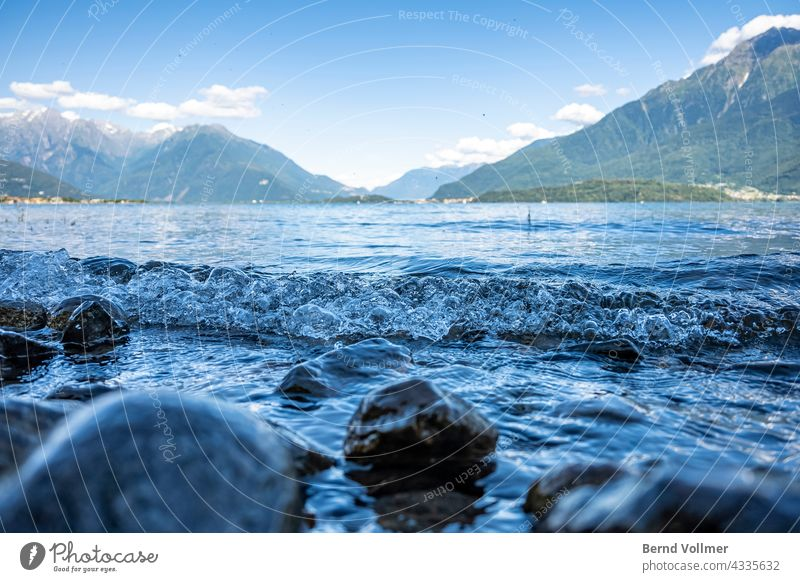 Seegang auf dem Comer See in Italien Italy Alpen Alpensee Bergsee Natur Landschaft Am See Umwelt Blick auf die Berge