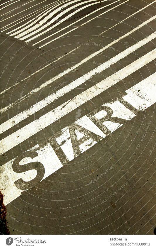 START aussage botschaft farbe gesprayt grafitti grafitto illustration kunst mauer message nachricht park parole politik sachbeschädigung schrift slogan sprayen