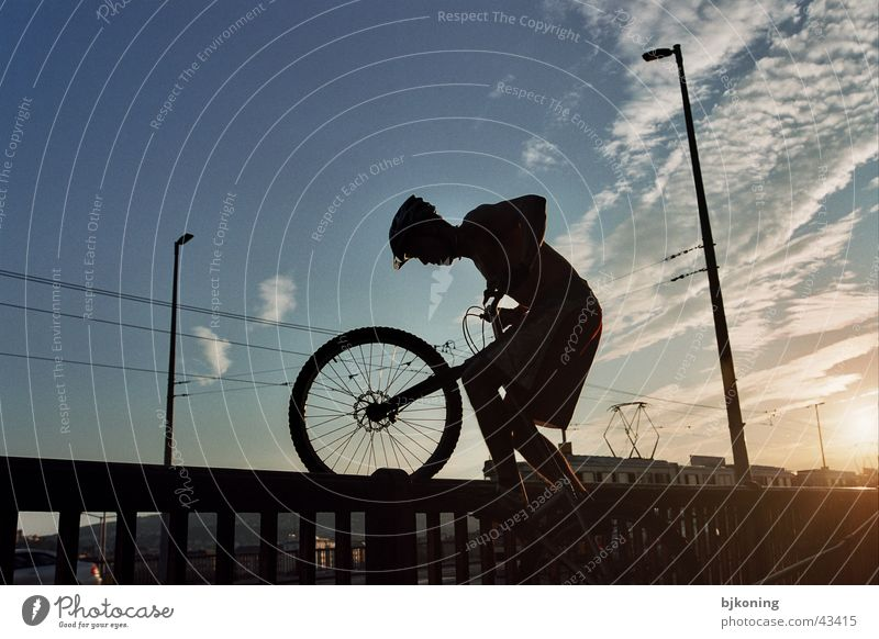 mountainbike trickery springen extrem Mountainbike Budapest Extremsport