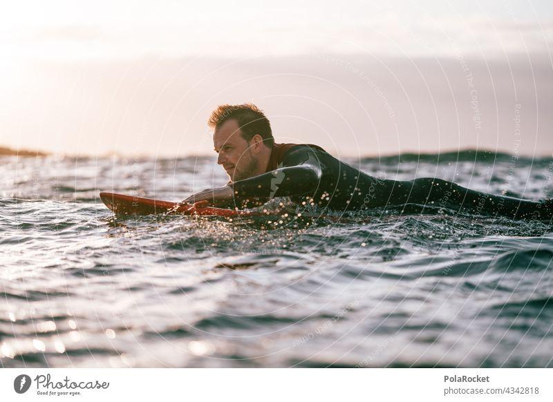 #AS# Surfer am Paddeln Surfen Surfbrett Surfschule Surfers Paradise Board Fuerteventura Kanarische Inseln Wassersport Extremsport Meer Wellen Strand Küste Sport