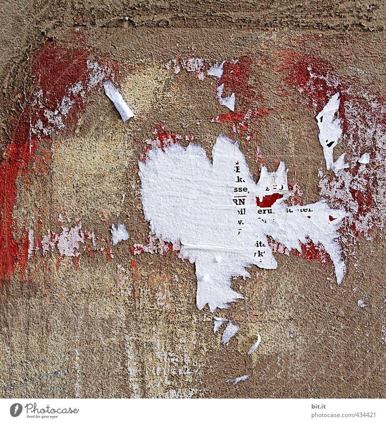 Mauer | Origami p(b)latt Haus Wand Fassade Zeichen Schriftzeichen Schilder & Markierungen Hinweisschild Warnschild dreckig braun Reinlichkeit Sauberkeit Verfall