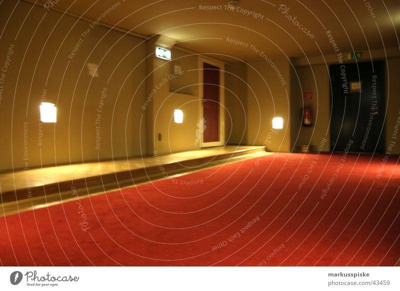 der teppich ist rot Tür Europa Hotel Möbel Eingang Foyer Teppich Treppenhaus Notausgang Motel
