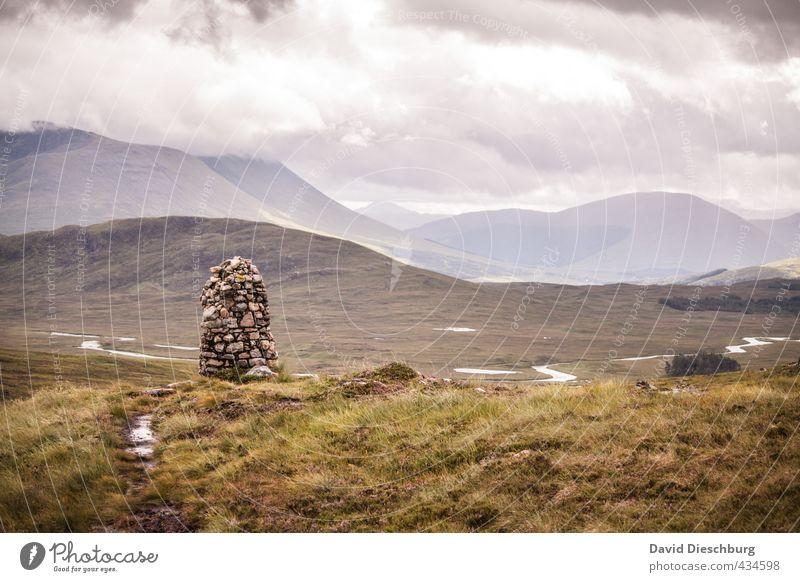 Wo sich Himmel und Erde... Natur Ferien & Urlaub & Reisen grün weiß Sommer Erholung Landschaft Ferne gelb Berge u. Gebirge Herbst Gras Freiheit grau Stein