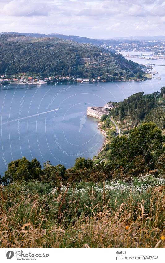 Luftaufnahme einer spanischen Flussmündung im Norden Spaniens Landschaft MEER reisen Ansicht blau Natur Wasser Meer Urlaub Küste Mündung Sommer Tourismus