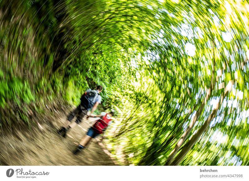 LASSES ERSTES:)) Glück Fröhlichkeit Wege & Pfade Wanderer Natur Außenaufnahme Umwelt gemeinsam Zusammensein Sommer wandern Mann Ferien & Urlaub & Reisen Liebe
