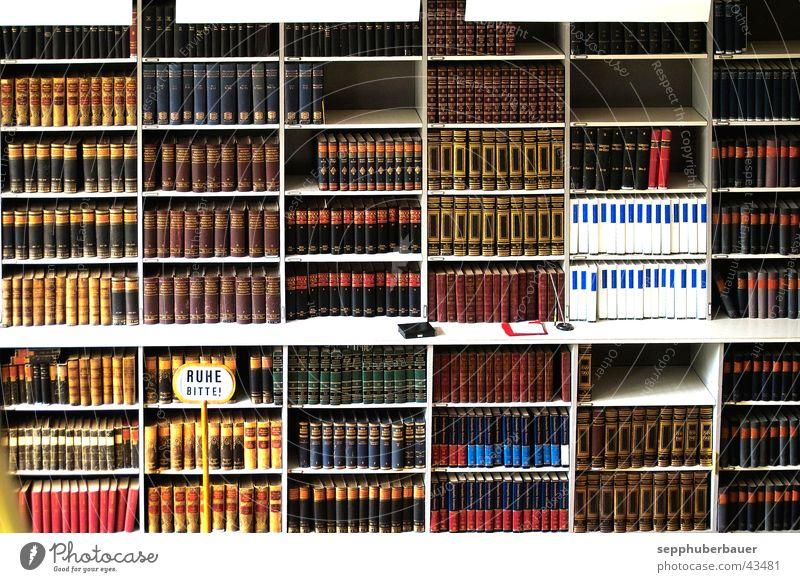 bitte ruhe schild links unten Regal Buch Architektur Bibliothek Bücherregal