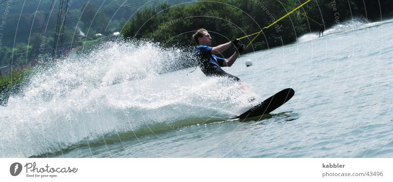 Wasserski Sport See Wellen Seil Holzbrett Sportler ziehen