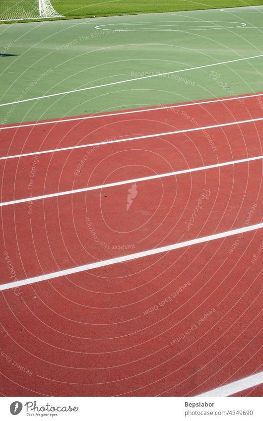 Leichtathletik Übung Feld Ziele Gras grün Netzwerk Pole Rennbahn Rollfeld Sport Stadion synthetisch Bahn Aktion sportlich konkurrieren Konkurrenz