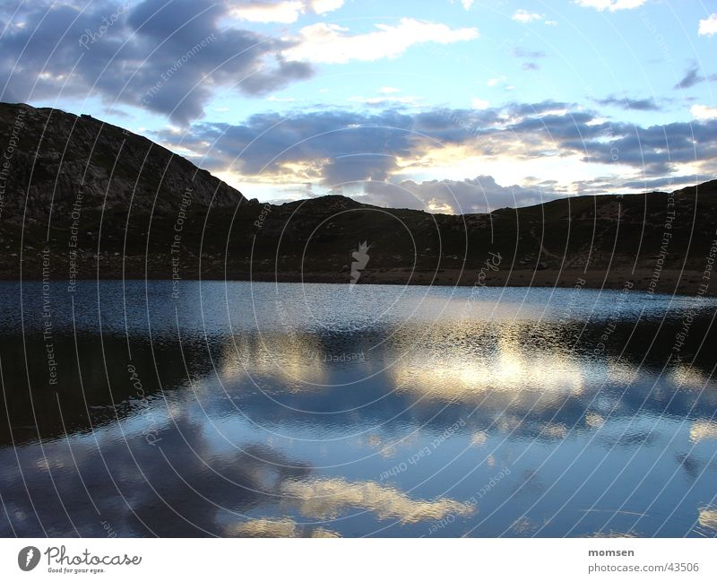 Bivacco del Civetta See Dolomiten Spiegel Reflexion & Spiegelung Wolken Sonnenuntergang Gebirgssee Gletscher Gipfel Abenddämmerung Horizont Hügel ruhig Nacht