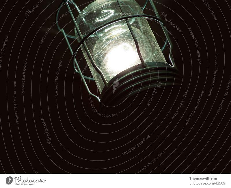 Nachtsicht Angst obskur Rettung Glühbirne