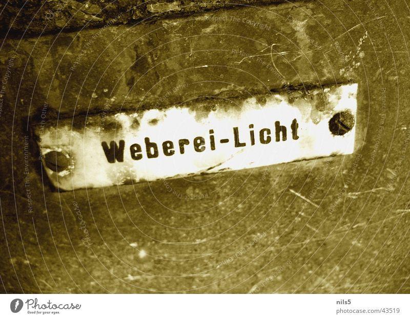Altes Webereischild retro Licht Ausstellung Rost Makroaufnahme Nahaufnahme Schilder & Markierungen alt zerkratzen