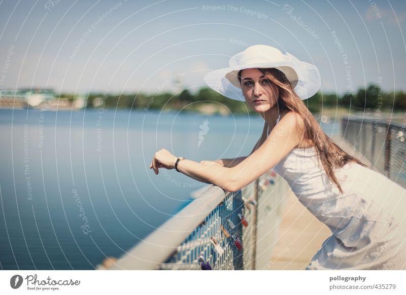 a summer day III Mensch feminin Junge Frau Jugendliche Erwachsene Leben Körper 1 18-30 Jahre Natur Wasser Himmel Wolkenloser Himmel Sommer Schönes Wetter Küste