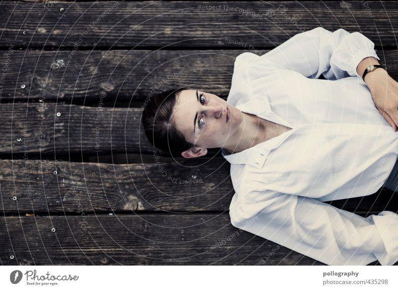 imagination Mensch Frau Jugendliche schön Einsamkeit Junge Frau Erwachsene 18-30 Jahre Leben Gefühle feminin Holz Kopf Mode träumen Stimmung