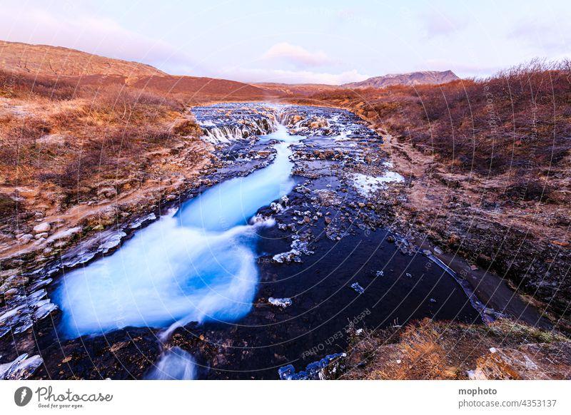 Wasserfall Bruarfoss im Winter, Südisland Landschaft Langzeitbelichtung Natur abenteuer bekannte orte blau bruarfoss eindrücklich einsam eis eiskalt erlebnis