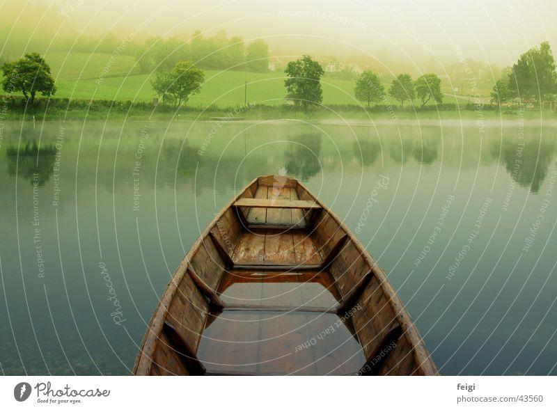 boat over see Wasser See Wasserfahrzeug Nebel