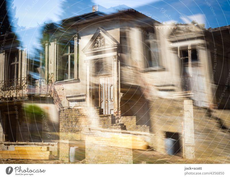 Stilvolles Haus nicht genau, nur vage Architektur Doppelbelichtung Fassade Eingang Himmel Reaktionen u. Effekte abstrakt Surrealismus Irritation