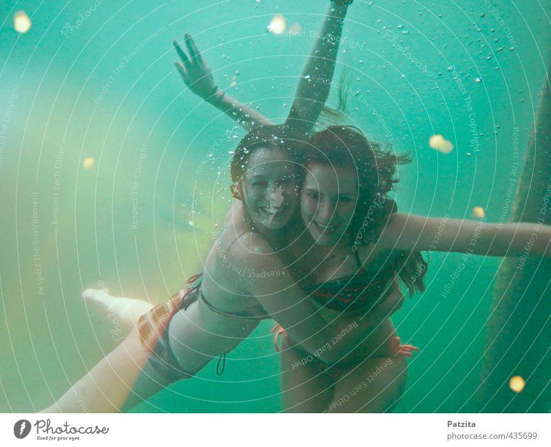 Unterwasserwelt Ferien & Urlaub & Reisen Wasser Sommer Meer Mädchen Freude Spielen lachen Schwimmen & Baden See Freundschaft Zusammensein Schwimmsport