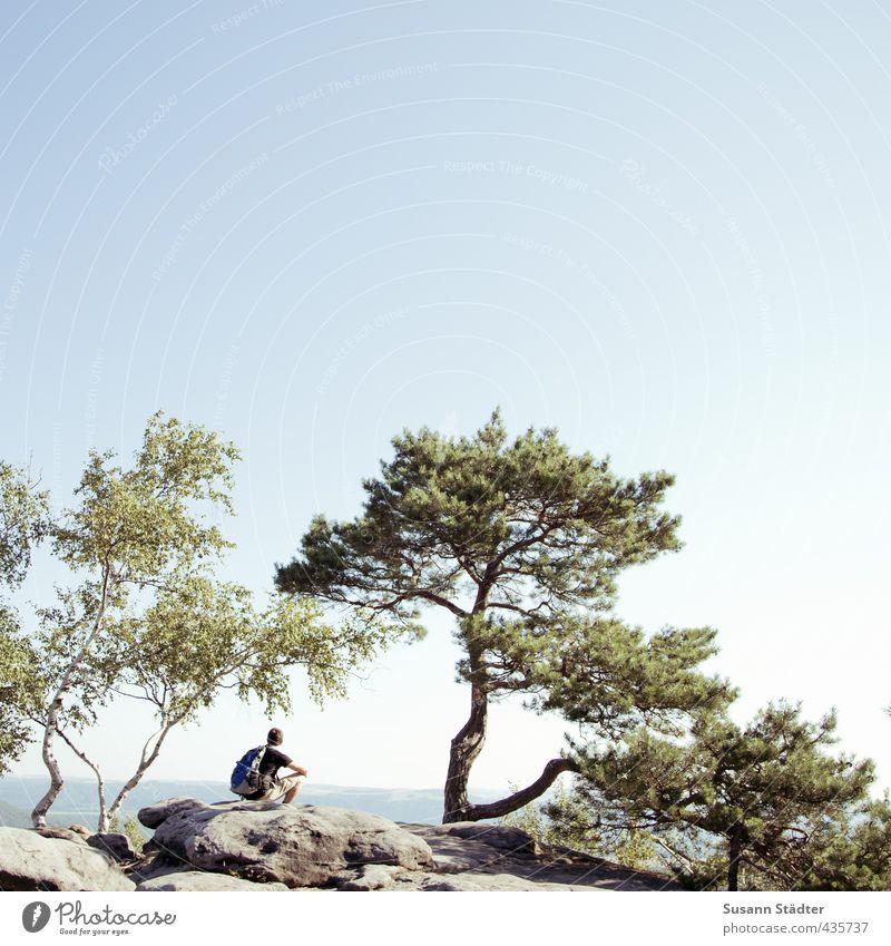 auszeit. Mensch Natur Jugendliche Mann Ferien & Urlaub & Reisen Sommer Baum Ferne Erwachsene 18-30 Jahre Berge u. Gebirge Freiheit Felsen Freizeit & Hobby sitzen wandern