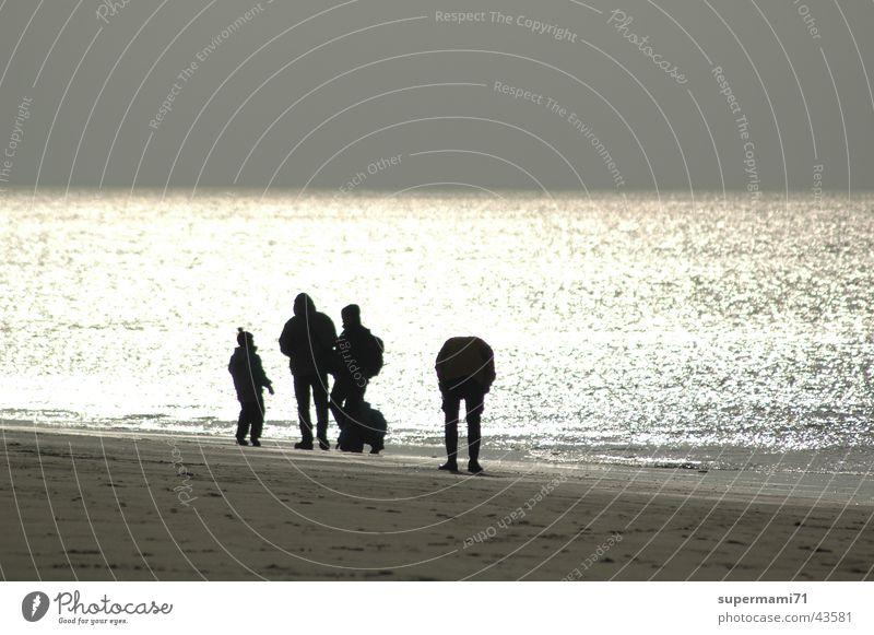 """""""blendendes Wasser"""" 1 Sonne Meer Strand Spielen Menschengruppe Sand Wind"""
