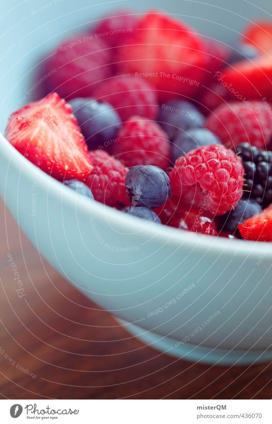 Waldfruchtrot. Kunst ästhetisch Zufriedenheit Schalen & Schüsseln Himbeeren Blaubeeren Brombeeren Erdbeeren Johannisbeeren Frühstückstisch Frühstückspause