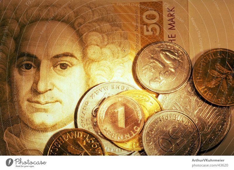 Kennste des noch? Wirtschaft Kapitalwirtschaft maskulin Mann Erwachsene Kopf Haare & Frisuren 1 Mensch Gemälde Geld leuchten alt glänzend positiv retro rund