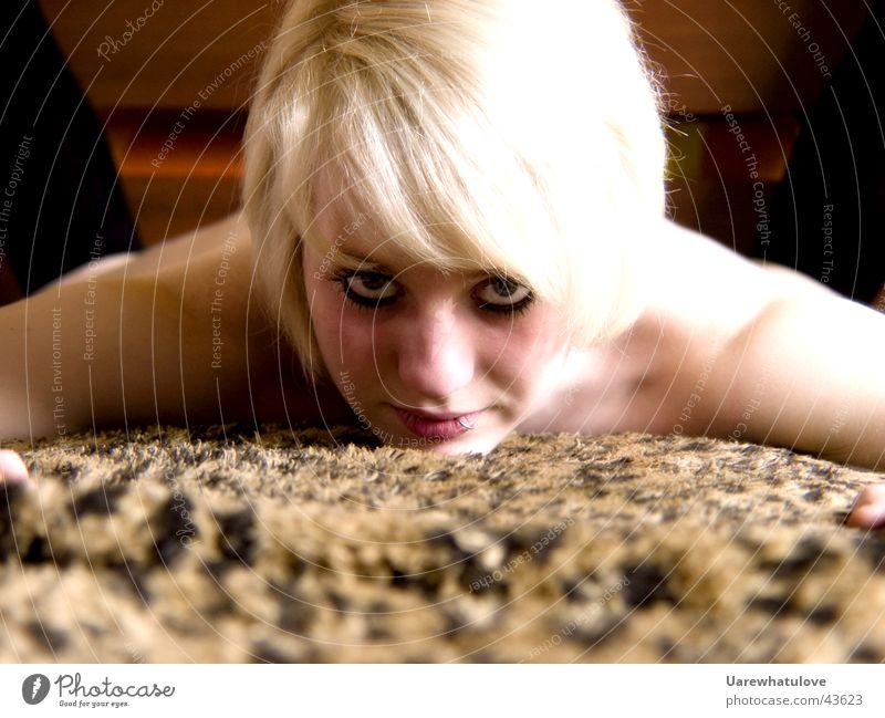 i want you Frau nackt blond Bett Decke Leopard