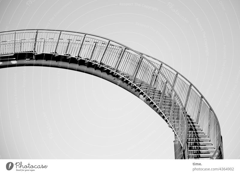 Stufen der Kunst (1) treppe kunstwerk stahl metall bogen schwingung Tiger and Turtle geländer treppengeländer architektur bauwerk