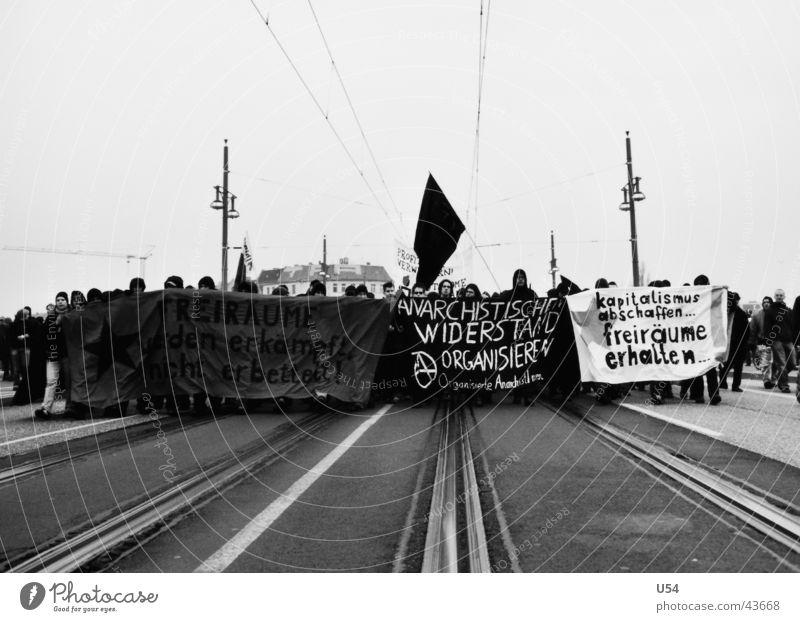Fronten Wand Menschengruppe Macht Ziel Entschlossenheit Vorderseite marschieren fordern