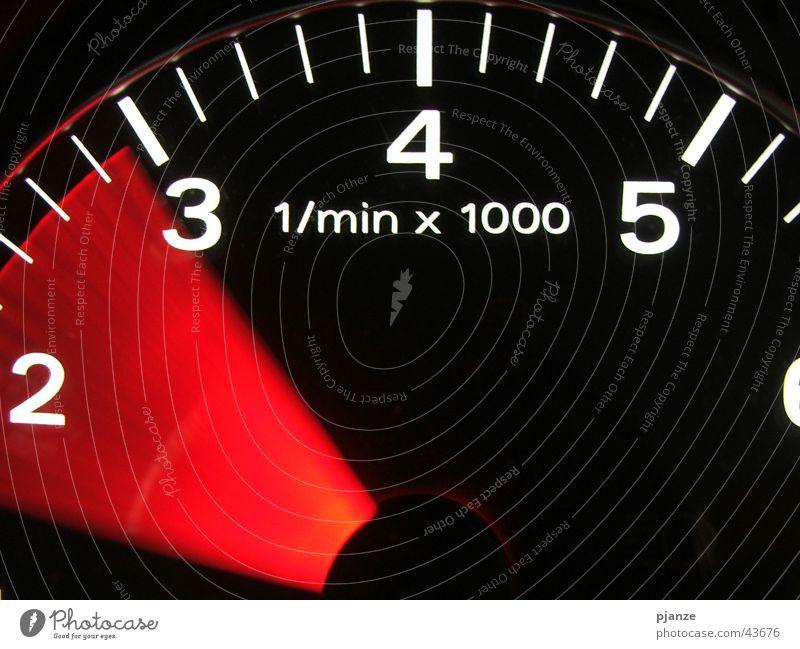 Speed me up, Scotty Tachometer Geschwindigkeit Beschleunigung Drehzahlmesser Verkehr PKW Tachobeleuchtung