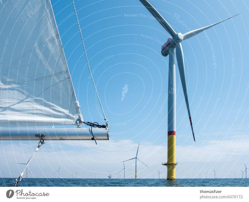 Windkraftwerke Windkraftanlage Windrad Segelboot Meer Umwelt Energie Energiegewinnung Erneuerbare Energie Energiewirtschaft Elektrizität Himmel ökologisch