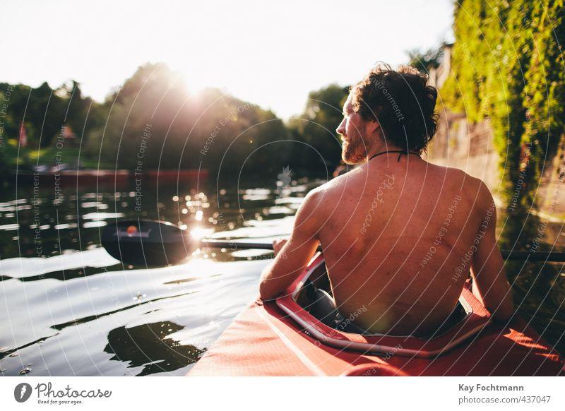 ° Mensch Jugendliche Mann Wasser Sommer Sonne Erholung ruhig Erwachsene 18-30 Jahre Wärme Leben Sport Glück maskulin Zufriedenheit