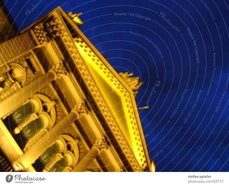 bundeshaus bei nacht Haus gelb dunkel Gebäude hell Architektur Schweiz Säule Politik & Staat