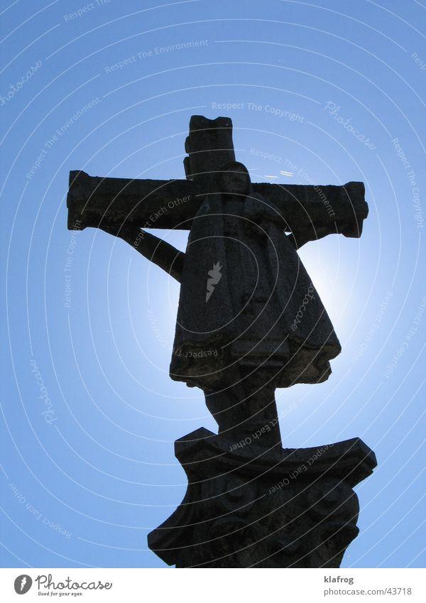 Sant Jakob am Kreuz Himmel blau Sonne Kunst Rücken historisch Statue heilig Kruzifix Christentum Jesus Christus Blauer Himmel Kunsthandwerk Christliches Kreuz