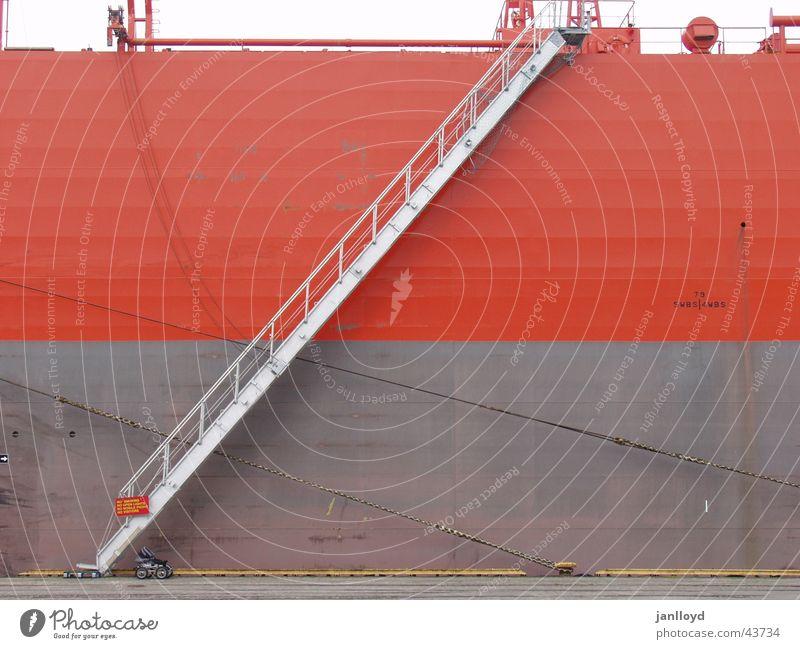 Alle Mann an Bord Wasserfahrzeug Wand Meer obskur Treppe Leiter Graffiti Hafen