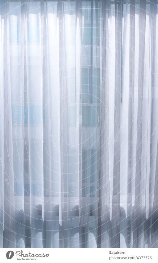 Licht von der Rückseite eines dünnen weißen Vorhangs Gardine Fenster heimwärts Design abstrakt Hintergrund Sauberkeit Material Raum durch Haus Muster