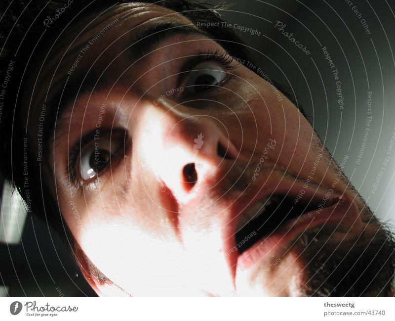 Schreck Mann Gesicht Angst gruselig Rauch Panik Comic Grimasse Entsetzen Schrecken Salto Schock Alarm clever Terror Slapstick