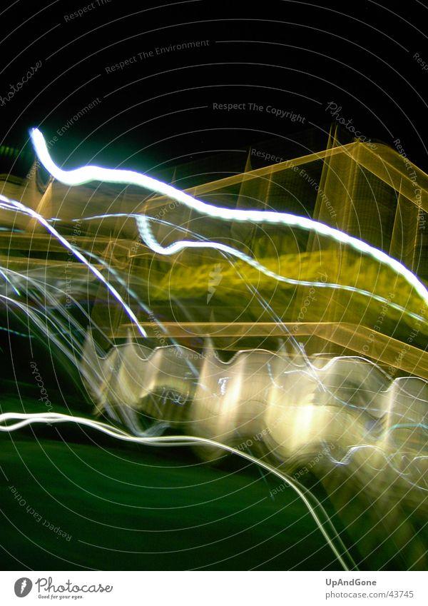 Night House Einkaufscenter Haus gelb Langzeitbelichtung Allee Center Licht Reaktionen u. Effekte Geschindigkeit Unschärfe