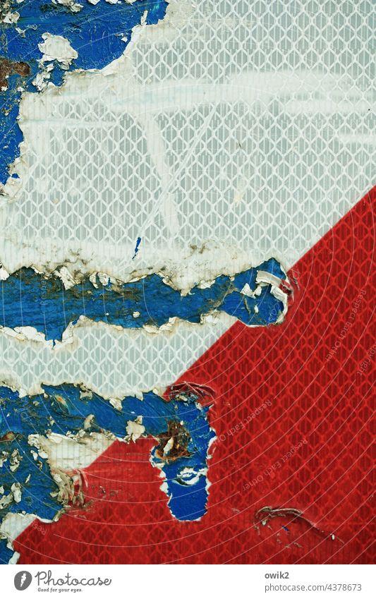 Störfall Schilder & Markierungen Signalfarbe abstrakt Warnschild Kratzer Kunststoff Vorsicht schadhaft abblättern abgeschabt Achtung Müllcontainer Container