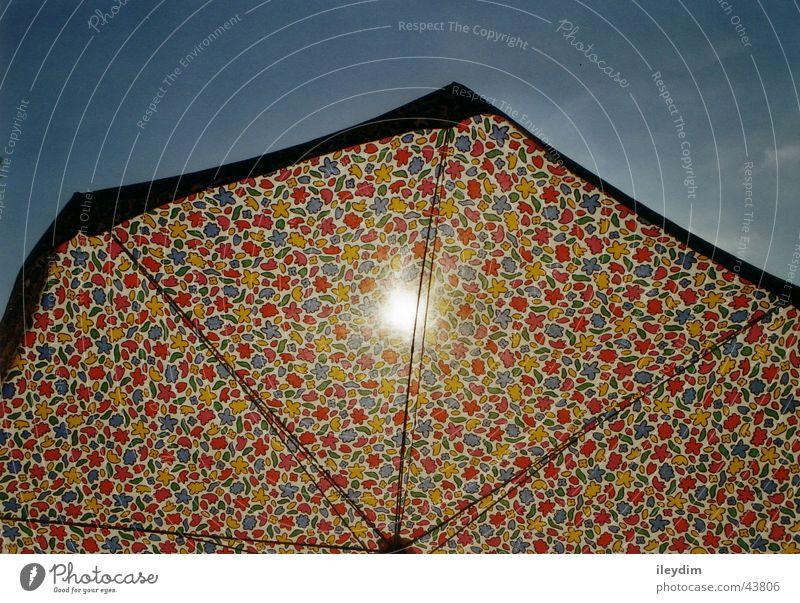 Sonnenschirm mehrfarbig Stoff Himmel Schutz Beleuchtung