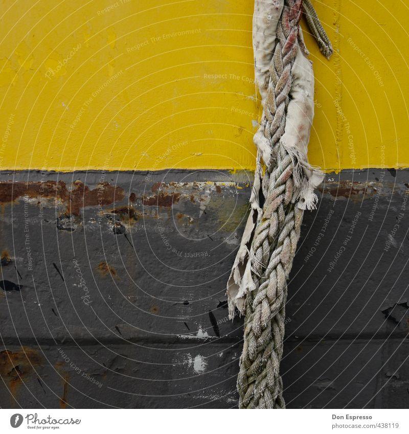 Dickes Ding alt Wasserfahrzeug Seil Streifen Sicherheit Industrie festhalten Hafen Vertrauen Schifffahrt Halt Wassersport Faser geflochten binden