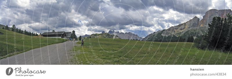 Plätzwiese Dolomiten Wolken Berge u. Gebirge groß Panorama (Bildformat) dramatisch