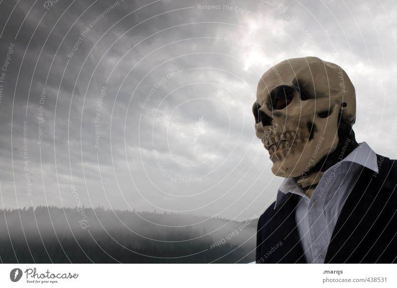 Der Tod steht ihm gut androgyn Kopf 1 Mensch Umwelt Natur Gewitterwolken Klimawandel schlechtes Wetter Nebel Totenmaske Schädel Halloween Zeichen