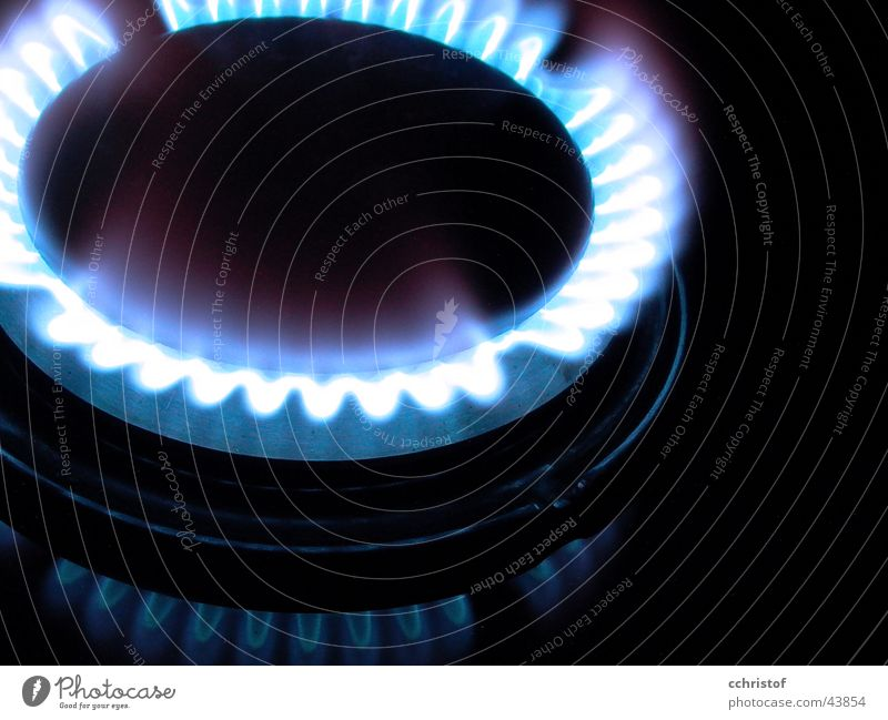 gasflamme1 blau schwarz Küche Gas heiß brennen Flamme Erdgas Gasherd